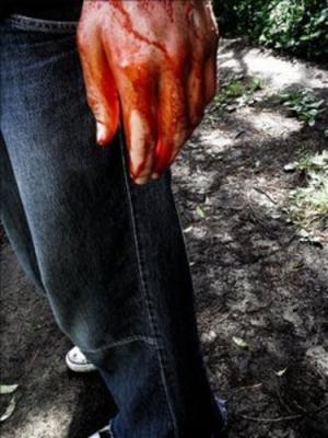 Esto de salir de clase con las manos manchadas de rojo...